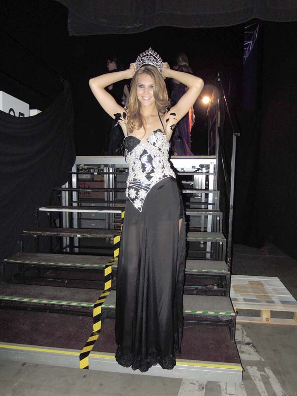 10.Miss Switzerland 2010 Kerstin Cook in ROhmir evening wear